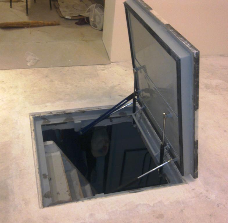 Как сделать крышку погреба в гараже 28