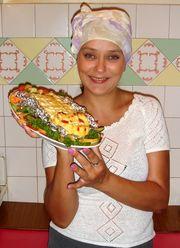 Домработница,  домашний повар.