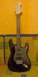 Продам электро-гитару Fender Stratocaster