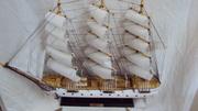 Модель парусника деревянного