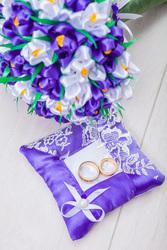 Свадебные брошь-букеты и аксессуары