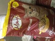 Продам сухой корм в мишке для кошек Куриный 10 кг,  Мяу!
