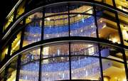 Новогоднее оформление витрин,  световая иллюминация.Монтаж гирлянд.