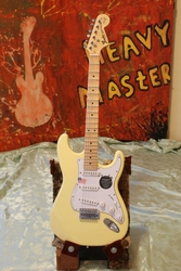 Электрогитара Fender Stratocaster YJM