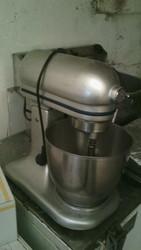 Продам б/у планетарный миксер Frosty для кафе,  ресторанов,  общепитов