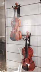 Продаются новые заводские скрипки!