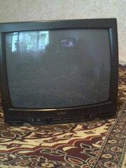 Продаю телевизор на запчасти