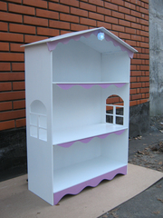 Домик для кукол и для книг. Предлагаю вашему вниманию домик для кукол.