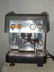 Кофеварки профессиональные,  кофемолки,  ростер для обжарки кофе.