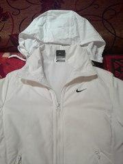 куртка осенняя женская S (44) белая б/у