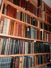Продается уникальная библиотека антикварных редких книг