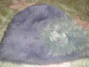 Новая, женская шапка-ангорка, с цветком-украшением, серо-голубого цвета.