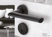 Итальянские ручки для межкомнатных дверей и окон Black&White Reguitti