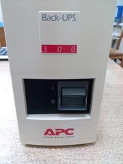 Источник бесперебойного питания APC Back-UPS 300