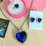 Подарочные ожерелья и серьги Titanik c кристаллами 9в1. Распродажа