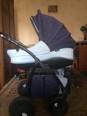продам детскую коляску срочно