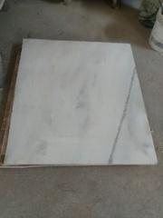 Мрамор ,  благодаря своим качествам,  физико-механическим свойствам