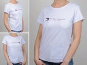 Женская футболка с логотипом